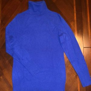 Royal blue 100% cashmere sweater! 💙